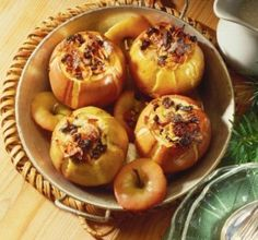 Recette des pommes fourrées aux fruits secs et macis