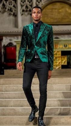 Luxury & Vintage Madrid, bring you the world's best selection of contemporary and vintage clothing, discover our top brands Prom Suits For Men, Prom Tuxedo, Moda Formal, Designer Suits For Men, Prom Outfits, Dress Slacks, Mens Fashion Suits, Men's Fashion, Teen Fashion