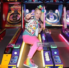 Added by #hahaH0ll13 #jojosiwa Dance Moms Girls, Girl Fashion Style, 15th Birthday, Jojo Siwa, Game Room, Tween, Famous People, Cute Outfits, Celebrities