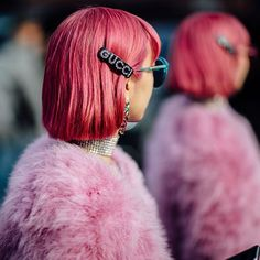 #MilanFashionWeek street style is so good, it has us seeing double ➿ For more maximalist outfit inspo from #MFW2018, head to the link in bio.⠀ : @PaigeCampbellLinden | Coveteur