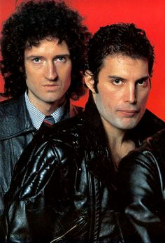 Freddie Mercury and Brian May John Deacon, Queen Brian May, Queen Ii, Roger Taylor, Queen Pictures, Old School Music, Somebody To Love, Queen Freddie Mercury, Queen Band