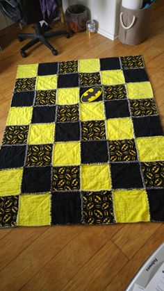 Batman rag quilt for Kala and Brian. Baby Girl Quilts, Boy Quilts, Girls Quilts, Quilt For Boys, Batman Quilt, Superhero Quilt, Blue Jean Quilts, Yellow Quilts, Baby Sewing Projects