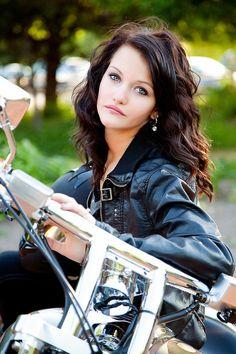 Biker Couple, Bike Pics, Classic Motorcycle, Bikers Girls, Awesome Bike, Biker Queens