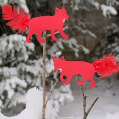 Make these cute paper foxes with your kids on a snow day. Or angels etc.