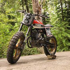 Yamaha tracker from Ape Customs - Street Trackers - Motor Honda Scrambler, Xt 600 Scrambler, Yamaha Motorcycles, Scrambler Motorcycle, Custom Motorcycles, Custom Bikes, Yamaha 125 Dirt Bike, Tracker Motorcycle, Moto Bike