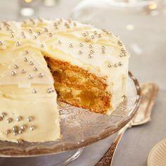 Valkea joulutäytekakku | Maku Vanilla Cake, Camembert Cheese, Party, Desserts, Food, Tailgate Desserts, Deserts, Essen, Parties