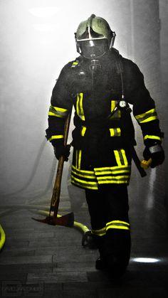 Firefighter American Firefighter, Firefighter Family, Firefighter Paramedic, Firefighter Pictures, Wildland Firefighter, Volunteer Firefighter, Paramedic Humor, Paramedic Gifts, Military Love
