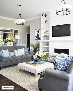 Splendid Ideas for using blue and white decor including tips for the bedroom, living room, kitchen, dining room, and more. The post Ideas for using blue and white decor including tips for the . Coastal Living Rooms, New Living Room, Living Room Interior, Home Interior, Interior Design, Small Living, Cozy Living, Grey Living Room With Color, Modern Living