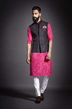 Cool 10 Wonderful Indian Men Fashion Ideas You Must Have Mens fashion style is identical to everyday clothes that are relaxed, comfortable, and not so complicated. Note that if your clothing style is far fr. Mens Indian Wear, Mens Ethnic Wear, Indian Groom Wear, Indian Men Fashion, Mens Fashion Wear, Indian Man, Men's Fashion, Mens Traditional Wear, Modi Jacket