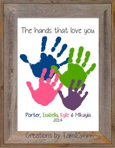 This personalized and custom inch handprint artwork features handprints layered around each other. Family Crafts, Baby Crafts, Diy For Kids, Crafts For Kids, Daddy Day, Footprint Crafts, Handprint Art, Father's Day Diy, Grandparent Gifts