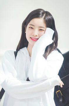 Twice - Dahyun Kpop Girl Groups, Korean Girl Groups, Kpop Girls, Twice Dahyun, Tzuyu Twice, Nayeon, Extended Play, Mbti Type, Twice Once