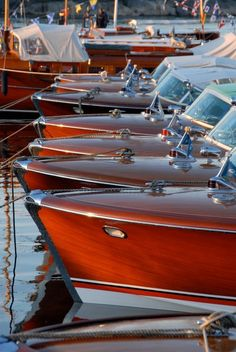 Chris-craft, lined up in a row