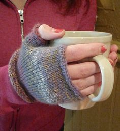 A quick and easy pattern to use up sock yarn, or use the new Olympus sock yarn!  Knit pattern