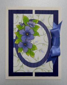 Flowers beautifully shaded on top of 2 oval nestabilities