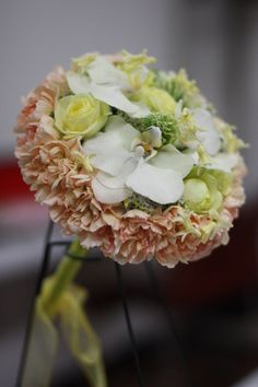 Orchid Bouquet - a wedding bouquet with Phalaenopsis ~ by Htadenum  | l'heure belle fleur