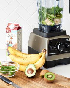 Recipe: Easy Banana Kiwi Smoothie — Recipes from The Kitchn Kiwi Smoothie, Smoothie Diet, Easy Smoothie Recipes, Easy Smoothies, Weight Loss Smoothies, Juice Recipes, Drink Recipes, Paleo Recipes, Kiwi And Banana