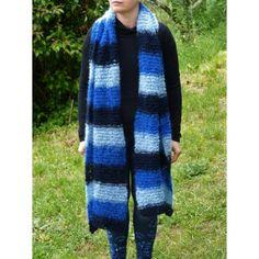 Etole femme en laine tricoté main. Très belle écharpe douce   chaude pour  adulte tricoté 58ab291fe8a