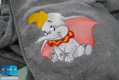 Машинная вышивка слонёнка Дамбо на толстовке #embroidery #dambo #disney