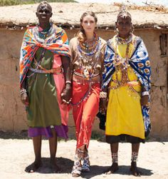 Oliva Palermo acts as the brand ambassador of the Pikolinos Maasai Tribe project. Launched in this footwear line brings in profits that further women's development in the Maasai Maria National Reserve. Estilo Olivia Palermo, Olivia Palermo Lookbook, Olivia Palermo Style, African Rhino, African Tribes, Star Fashion, Boho Fashion, 1930s Fashion, Poses