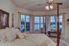 #Twilight in #littleneckvb #mansion #virginiabeachrealestate #Virginiabeachhomes #757collective #virginiabeachluxuryhomes #vabeach #interiordesign #interiorstyle #realtor #realestate #loveva #ilovemyjob #realtorsofinstagram #VirginiaBeach #longandfoster #christies #luxury  #luxuryrealestate #photoftheday #pictureoftheday #dreamhome #milliondollarlisting #realestateagent #homesweethome #goodlife