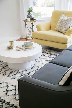 My Living Room Before and After - Sugar and Charm - sweet recipes - entertaining tips - lifestyle inspiration