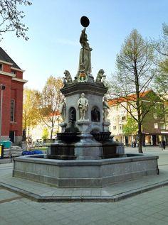 De Maagd van Holland is een standbeeld in het centrum van Rotterdam op de Nieuwemarkt aan de Gedempte Botersloot. Het is een monument opgericht ter ere van de inneming van Den Briel door de Watergeuzen op 1 april 1572. Het beeld, onthuld in 1874 en officieel bijgenaamd het Vrijheidsbeeld, was bedoeld als centraal decor bij de uitbundige jaarlijkse 1-aprilvieringen. Het werd gemaakt door Joseph Graven.
