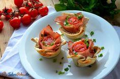 Przepisy » Dla dzieci » Przekąski i przystawki » Tostowe miseczki z szynką, serem i jajkiem » TalerzPokus.tv - przepisy kulinarne z filmami