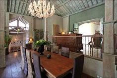 Beautiful dining table for 10 people in a 3 bedrooms villa in #Jimbaran #Bali Find more details here :  http://www.balilocations.com/villas/jimbaran/bvji827