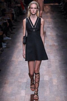 Paris Fashion Week - Valentino Spring 2015 Ready to wear - Picture credits Style.com