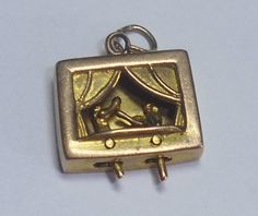 Vintage 9ct Gold Moving Punch and Judy Charm