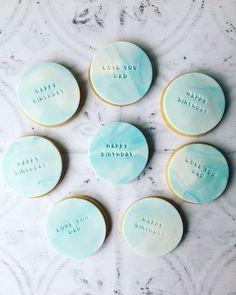 www.scrumptiousbakesbyemma.co.uk/personalisedsugarcookies Fondant Cookies, Royal Icing Cookies, Cupcake Cookies, Sugar Cookies, Baby Shower Biscuits, Baby Shower Cookies, 21st Birthday Cakes, Birthday Cookies, 2nd Birthday