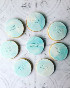 www.scrumptiousbakesbyemma.co.uk/personalisedsugarcookies Cookie Wedding Favors, Cookie Favors, Wedding Candy, Fondant Cookies, Cupcake Cookies, Sugar Cookies, Baby Shower Biscuits, Baby Shower Cookies, 21st Birthday Cakes