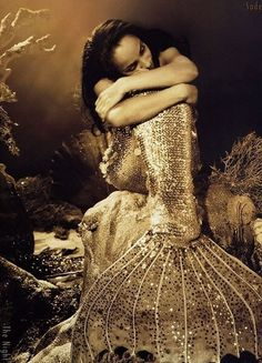 """I must be a mermaid, Rango. I have no fear of depths and a great fear of shallow living.""""    ― Anaïs Nin    #shopandsave http://shop3save.blogspot.it"""