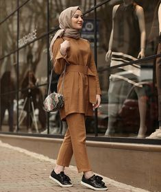 Muslim Fashion, Abaya Fashion, Modest Fashion, Girl Fashion, Fashion Outfits, Fasion, Casual Hijab Outfit, Casual Outfits, Hijab Hipster