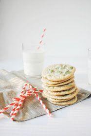 Une-deux senses: Chewy Matcha Chip Cookies