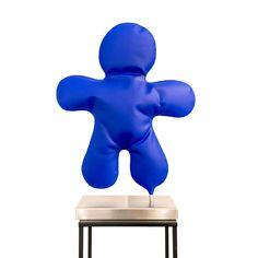 #sculpture Petits bonhommes Backrest Pillow, Sculpture, Color Pop, Sculptures, Sculpting, Statue, Carving