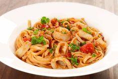 Καλαμαράκια σε σάλτσα μαρινάρα με λιγκουίνι | Συνταγές - Sintayes.gr
