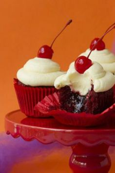 Red Devil Cupcakes (aka Heart of Darkness Cupcakes) - these are DEVILISHLY good for Halloween!