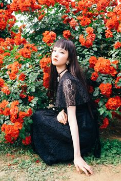 so feminine and dark at the same time ~ Portrait Photography, Fashion Photography, How To Pose, Mori Girl, Ulzzang Girl, Japanese Girl, Girl Photos, Asian Beauty, Cute Girls