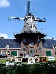 Zuidlaren - Wikipedia Ons boshuis Windmill Museum De Wachter Múzeum v Holandsku Netherlands Windmills, Holland Windmills, Old Windmills, Throughout The World, Around The Worlds, Water Tower, Le Moulin, Covered Bridges, Travel Around