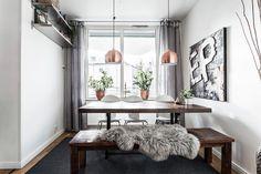 Båtbyggargatan 48, vån 2, Stockholm - Svensk Fastighetsförmedling Murs Clairs, Sombre, Breakfast Nook, Entryway Bench, Stockholm, Dining Area, Oversized Mirror, Interior, Room