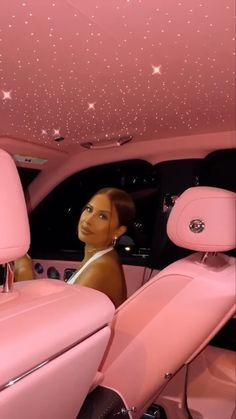 Pink Car Interior, Car Interior Decor, Kylie Jenner Car, Rolls Royce Interior, Rich Cars, New Luxury Cars, Luxury Girl, Rose Royce, Baby Pink Aesthetic
