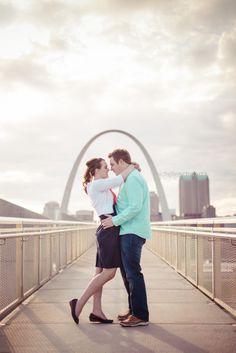 Engagement Shoot Ideas - St. Louis Photographer   Engagement   STL Arch   Michelle Schwartz Photography  http://michelleschwartz.zenfolio.com/