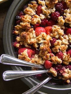 Super Simple Paleo Berry Crisp - 4 cups fresh or frozen berries 1 cup almond flour ¼ cup coconut oil (at room temperature) ¼ cup honey 1 tsp. Cinnamon (optional)