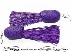 Pendientes de seda y flecos en color morado. Band, Accessories, Fashion, Dyed Silk, Bangs, Earrings, Moda, Sash, Fashion Styles