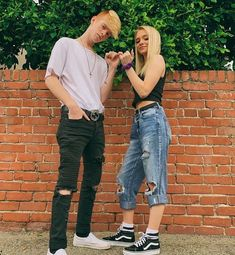 We were friends then Cody messed up💔 viral messedup liar tea featurethis seethis liar tea zoe zoelaverne codyorlove Meet And Greet Poses, Zoe And Cody, Boyfriend Goals, Couple Goals, Youtubers, Fangirl, Mom Jeans, Couples, Instagram Posts