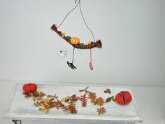Dollhouse Miniatures, Mobile Halloween mit Kürbis, in 1:12 für das Puppenhaus, Puppenstube, Sammler von UllisKreativeEcke auf Etsy