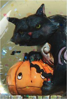 Jim Shore Halloween Black Cat With Pumpkin Water Globe