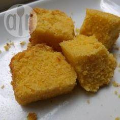 Bolo de fubá com leite de coco @ allrecipes.com.br - Um bolo feito somente com fubá! Ótimo para quem procura uma receita de bolo sem glúten!