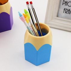 Desk Accessories & Organizer New Stick On Desktop Pen Holder Makeup Storage Pot Case Plastic Desk Organizer Stationery Holder Pencil Vase #63